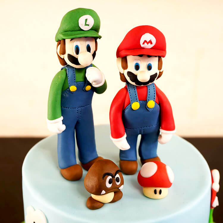 Creative-cake-toppers