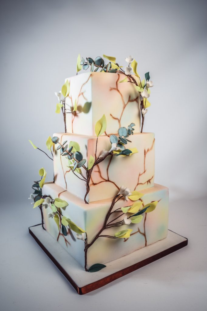 Modern 3 tier square wedding cake