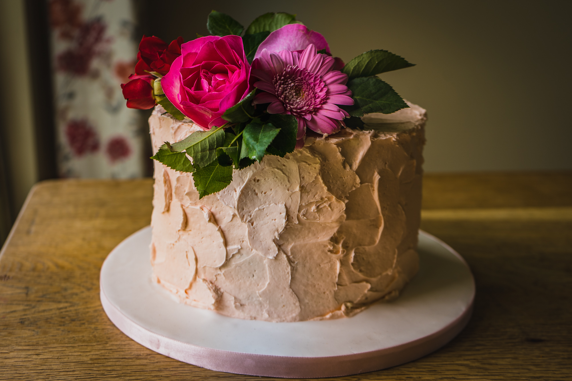 Vintage buttercream with fresh flowers
