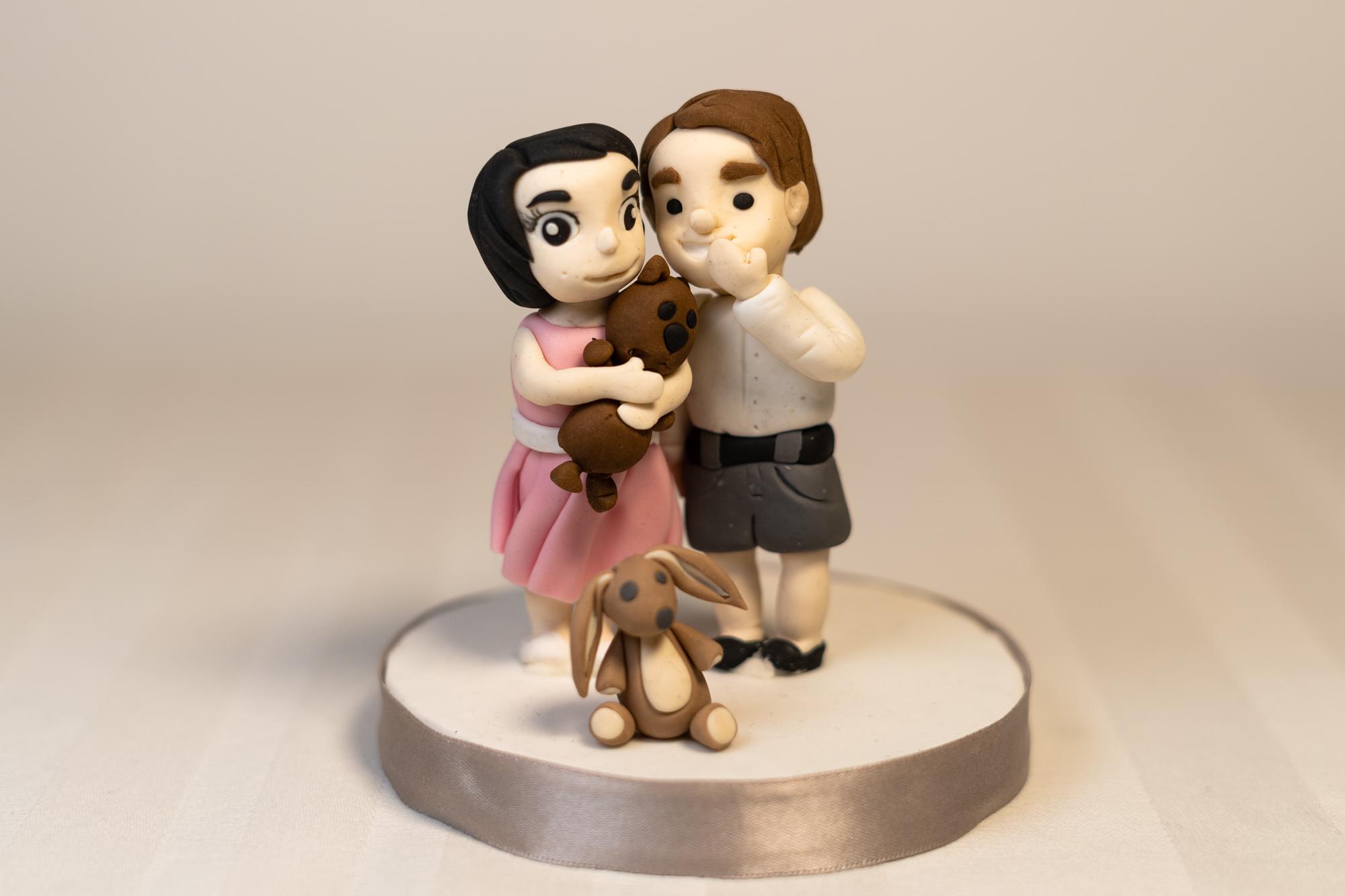 Wedding cake topper children
