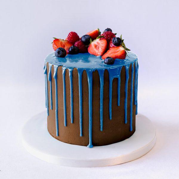 fruit brown blue - Drip Cake with fresh fruit - Gabi Bakes Cakes